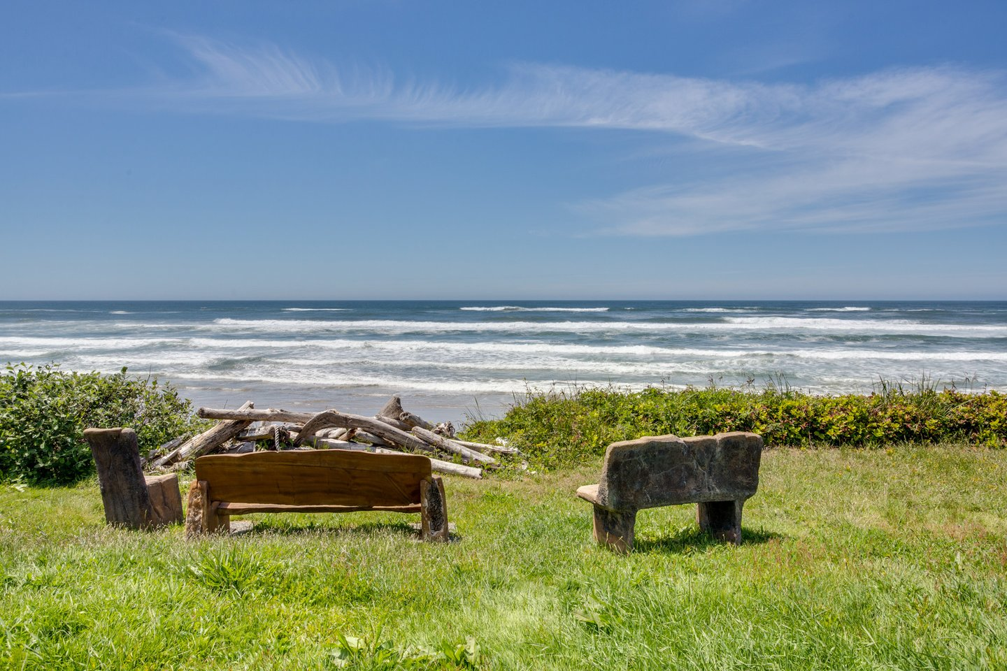 An amazing oceanfront home on one of Central Oregons best beaches.