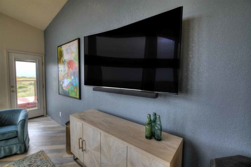 Spectacular home entertainment suite features a fabulous HD TV, with Blu-Ray and WiFi.