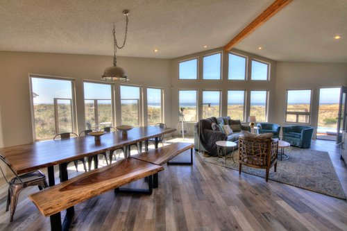 An open floor plan brings the fantastic views to the entire great room.