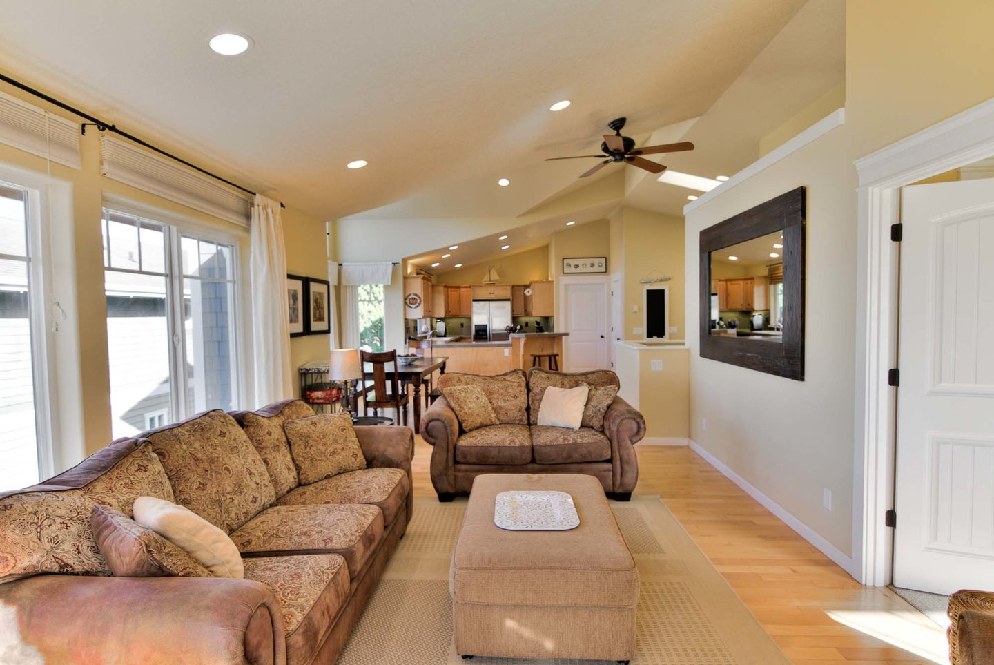 Comfortable living room to gather in!