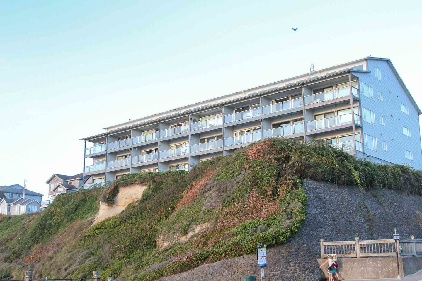 Nye Stay is the perfect oceanfront condo for couples, families or friends traveling together.