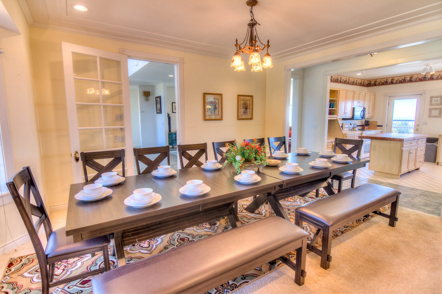 Large dining table perfect for those group meals.