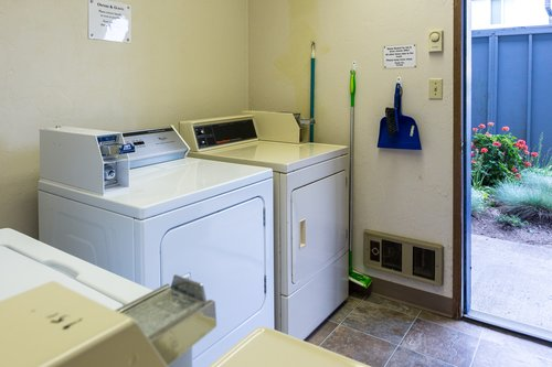 Shared laundry facility is very close.