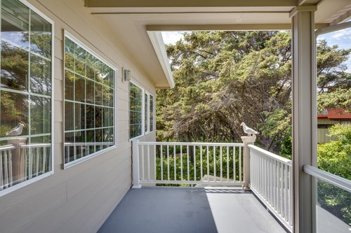 Second floor deck for relaxing and enjoying the coastal breeze!