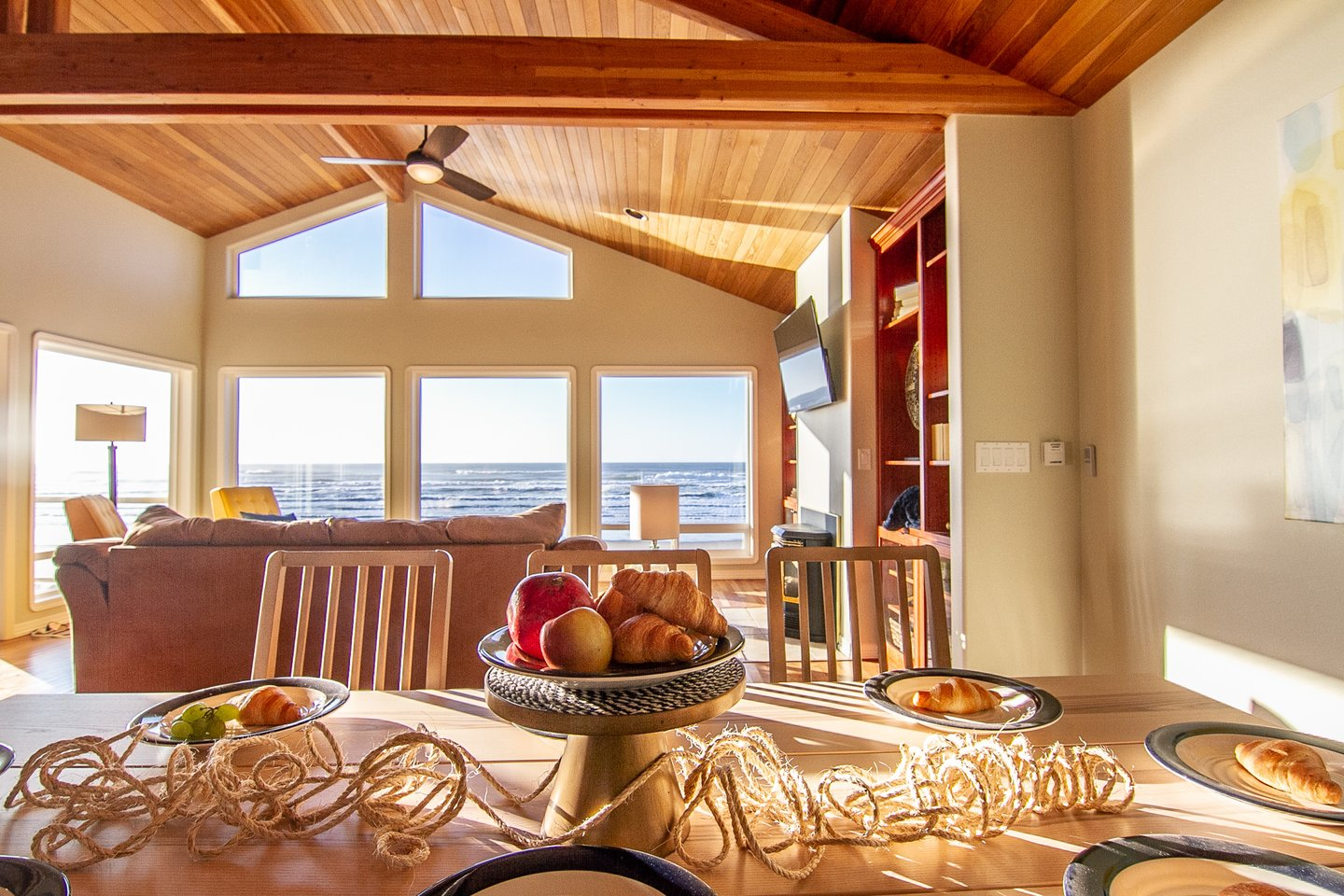 Dine with natural light and an ocean view!