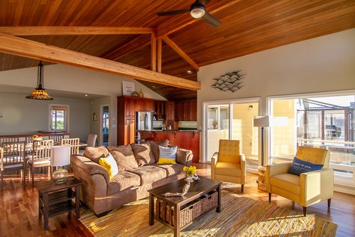 There is plenty of room for everyone to enjoy the waves right from the living room.