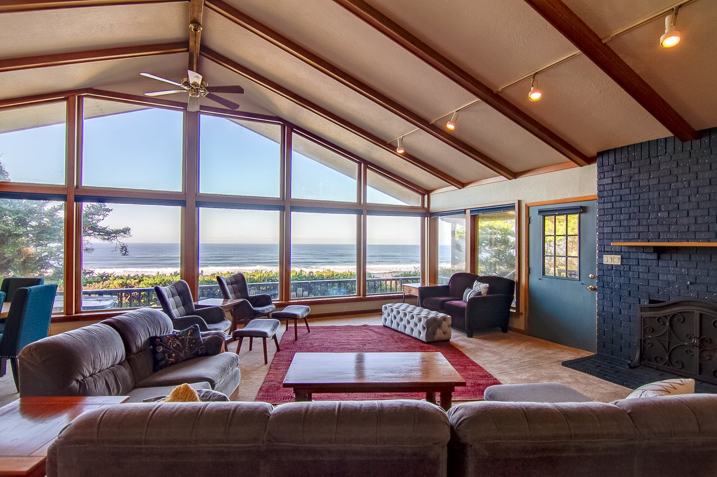 There is plenty of room for everyone to gather in the living room and enjoy the view!