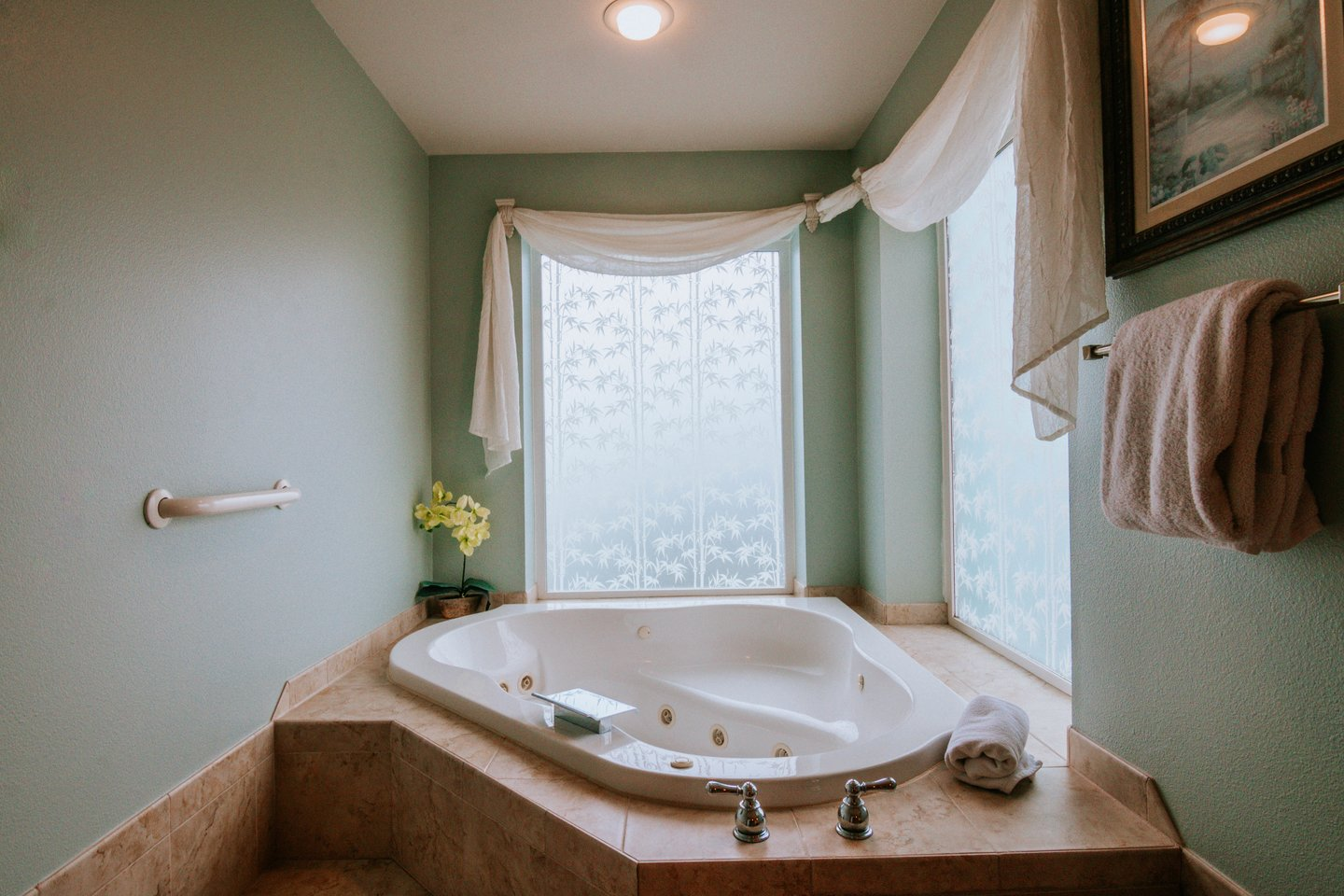 Immerse yourself for a soak in the large jacuzzi tub.